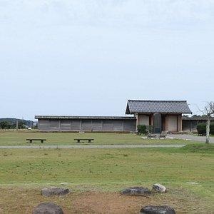 能登国分寺は豪族の氏寺(大興寺)を転用した国分寺で、古代能登国の中心寺院として栄えた寺院です。