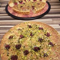 raspberry and pistachio frangipane