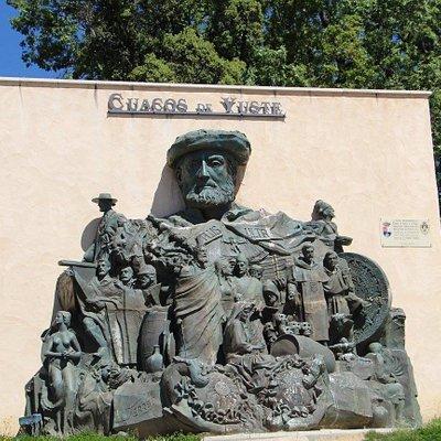Monumento Emperador Carlos V