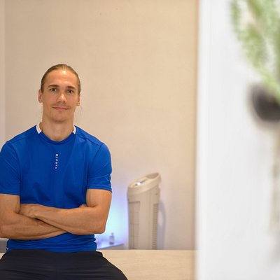 Mikko Sneck Massage Terapist Specialize in Trigger Point and Myofascial Release Therapy.