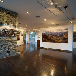 Romer Gallery Queenstown's stunning gallery