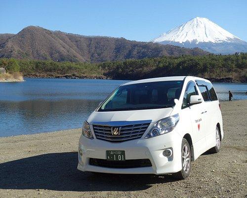 Luxury Minivan for 6 passengers