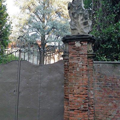 Cancello della villa
