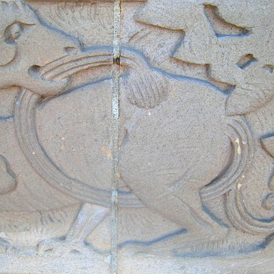 Grand bas-relief