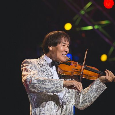 """""""Branson's #1 Star"""" CBS This Morning  There's a reason that when people think of Branson, they think of The Shoji Tabuchi Show! From Osaka - to Nashville - to Branson, Shoji Tabuchi's inspirational story is the stuff dreams are made of!"""