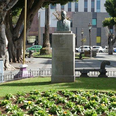 Staty ''Guillermo Perera y Álvarez'' på Plaza del Adelantado i San Cristóbal de La Laguna