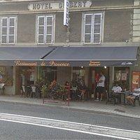 le bar Relais de Provence vue de face