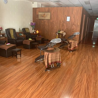 Nice and clean massage shop   We recommend you to get deep tissue massage for relax and release your muscles