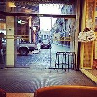 """Vista al pasaje Giuffra, desde el bar de """"Cacho"""""""