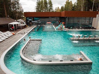 Большой термальный бассейн