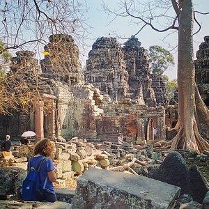 Buenas noches a todos del mundo . Un beso desde Camboya