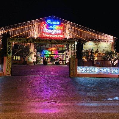 Palais des Bonbons du Nougat et des Souvenirs - Vue de nuit