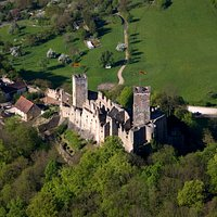 Luftaufnahme der Burg Rötteln