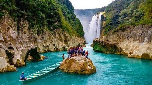 Canoa a la cascada de Tamul