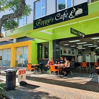 Poppy's Cafe. In the heart of Whakatane. Delicious coffee, cabinet food and also a huge selection of meals. Breakfast, morning tea, lunch and afternoon tea.