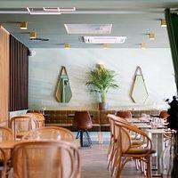 Le restaurant Ôbamboo Vous accueille dans un lieu moderne et épuré pour vous faire voyager à travers ces plats authentiques Thaï et soigneusement concoctés d'un savoir faire familiale mère-fille .Situé au 8 avenue James de Rothschild à Ferrieres en Brie, proche de Bussy Saint Georges. (Parking Casino)Ouverture du mardi au samedi de 12h à 14h30 & de 19h à 22h30