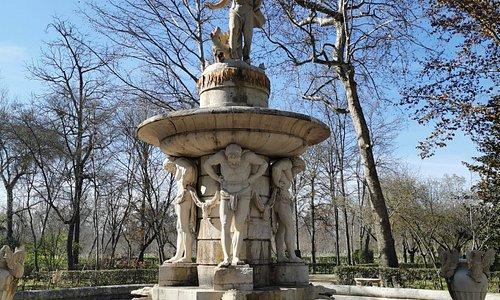 Fuente de Narciso.
