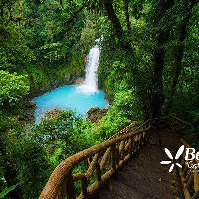 Tenorio Volcano.  Celeste River waterfall.  Volcán Tenorio.  Catarata de Río Celeste.
