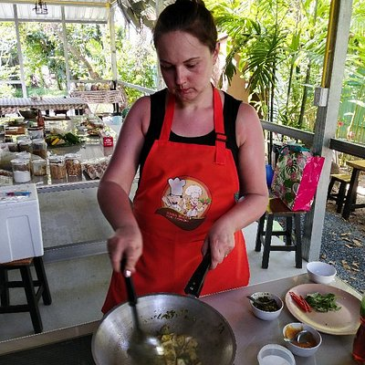 Welcome to KHUN OKAY THAI COOKING if you want to learn how to cookThai food.