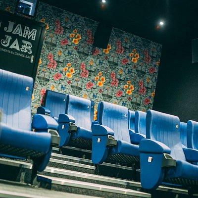 Screen 3 centre ailse