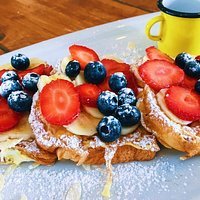 French toast with fresh fruits!!!