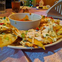 Cheesy nachos with salsa