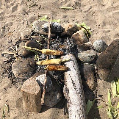 Elotes on the beach