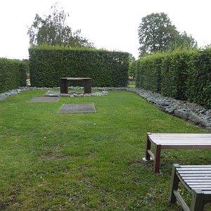 Klosterparken, minnesaltare
