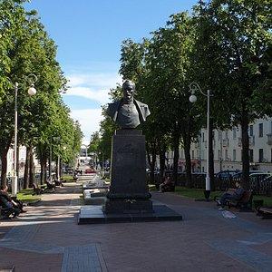 Monument to Dzerzhinskiy