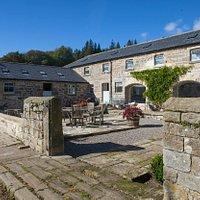 Courtyard at Cragend Farm (courtesy of Dave Burton Features)