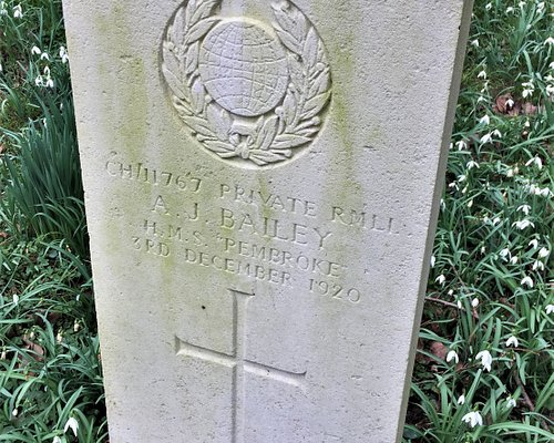 23.  The Church of St Mary the Virgin, Lamberhurst, Kent;  the Commonwealth War Grave of William Cook
