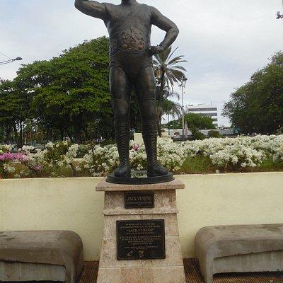 jack veneno statue