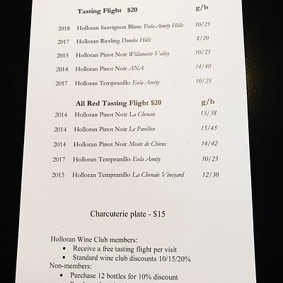 tasting flight options. wavied with membership or purchase.
