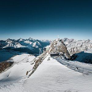 Matterhorn (links), Klein Matterhorn (mitte), Breithorn (rechts)