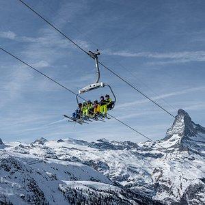 Skifahren mit Blick aufs Matterhorn