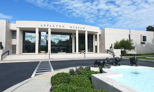 The Appleton is an award-winning contemporary interpretation of classical architecture clad in Italian travertine marble. The 81,610-square-foot museum features 30,000 square feet of gallery space devoted to the Appleton's permanent collections. The Edith Marie Appleton Gallery 4,000 square- foot, two-story exhibition gallery, was added in 1996 and a 2,662-square-foot art storage facility was completed in 2009.