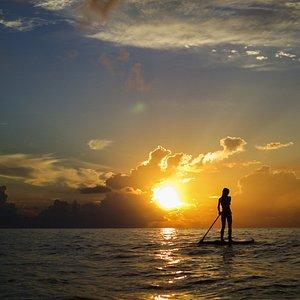 así son nuestros atardeceres en el caribe de Panamá , un lugar que el tiempo se detiene y las horas son eternas.