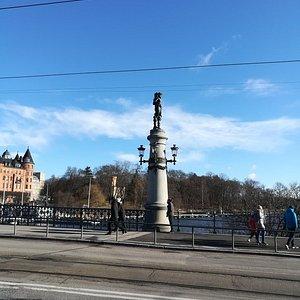 Мост Юргодсбрун (Djurgardsbron), Стокгольм, февраль.