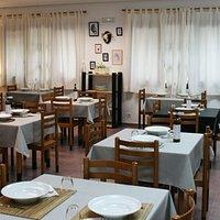 Detalle de sala  del Restaurante Bar la Balsa en Castañares de Rioja