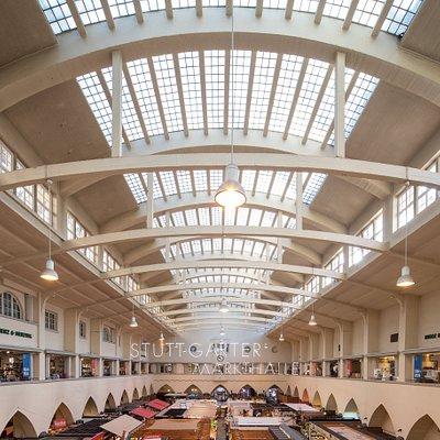 Merz & Benzing in Stuttgarts historischer Markthalle