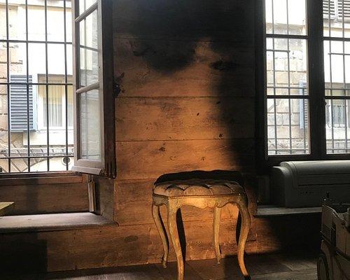 Boiserie e pavimento in legno antico by:legnoanticog.org