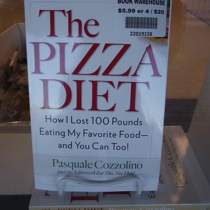 ME - KITTERY - BOOK WAREHOUSE - BOOK #1 IN WINDOW – PIZZA DIET
