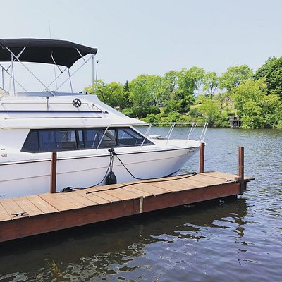Docked in downtown Manistee, MI we have great access to the lake as well as shoping and food to accomodate all of your desires.
