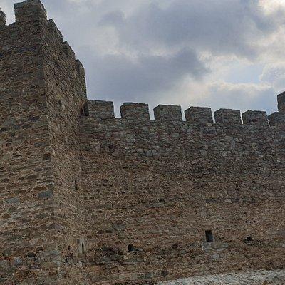 Obnovljena tvrđava na Dunavu sa divnim pogledom na isti.