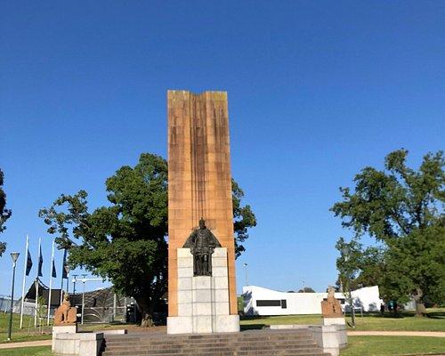 King George V Monument