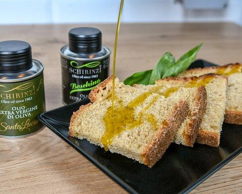 Condimento olio evo sul pane