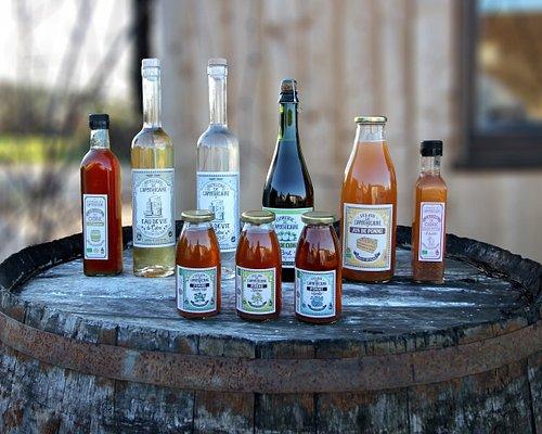 Dégustation offerte : Cidre de Clohars-Carnoët, jus de pomme, eaux de vie, vinaigre, etc.