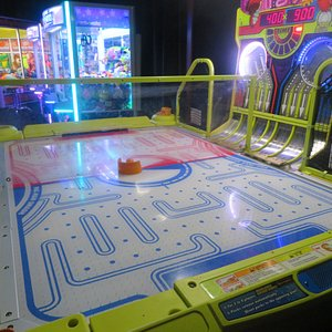 Dave and Buster's Arcade, Great Mall, Milpitas, CA
