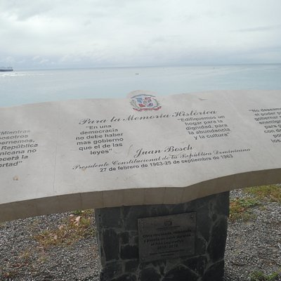 tablet to the left of monument area