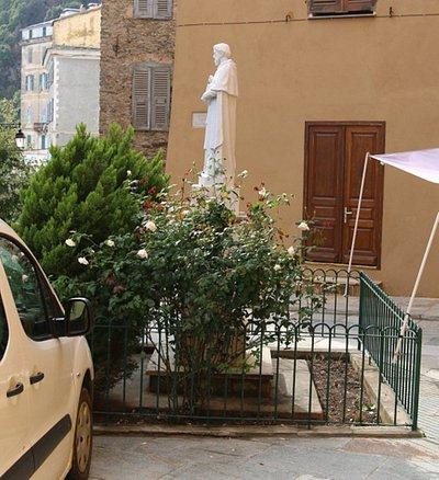 vue de cette statue